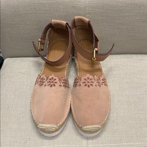 New without tags Chloe Glyn Flat Espadrille